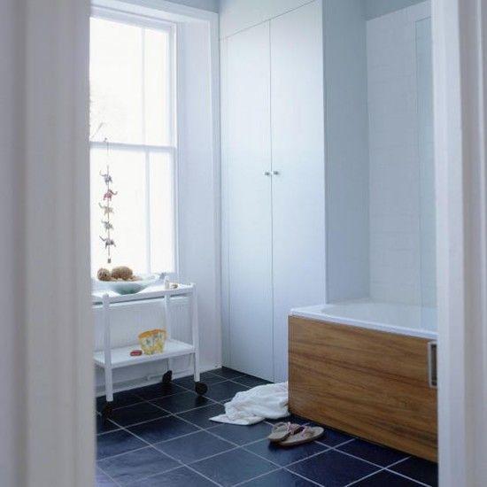 Modern family bathroom - http://pinhome.net/bathroom-design/modern-family-bathroom/