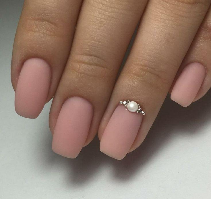 Schlichte, elegante, matte Nägel mit Juwelen  #elegante #juwelen #matte #nagel #schlichte