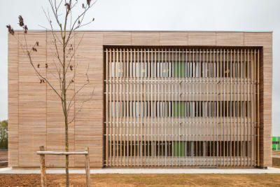 Resultado de imagem para fachada de madeira   – wooden facade