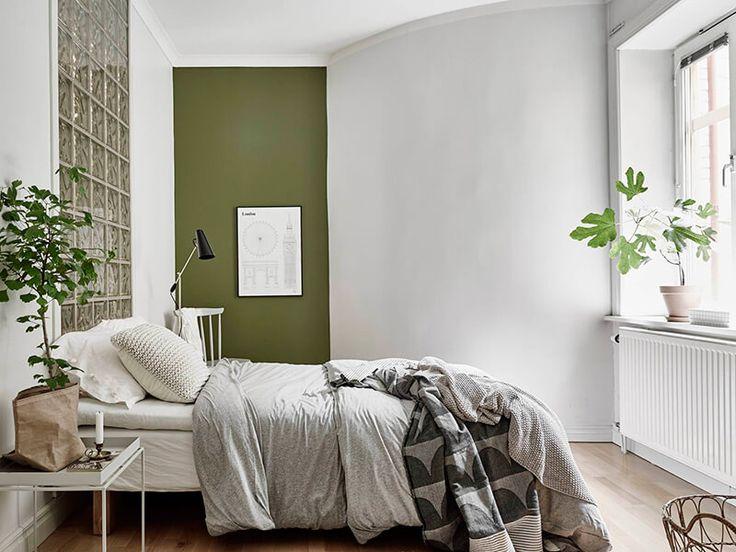 Les 25 meilleures id es concernant chambre coucher kaki - Chambre vert gris ...