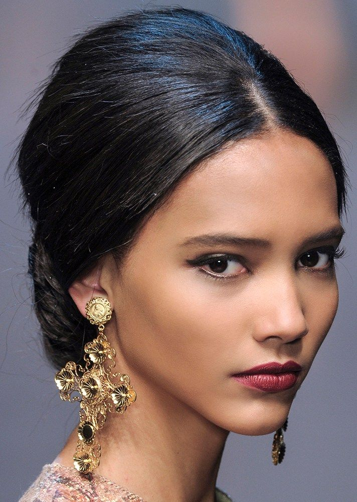 25 Easy Wedding Updos | center part with volume at the crown, 60s-inspired  hair @stylecaster