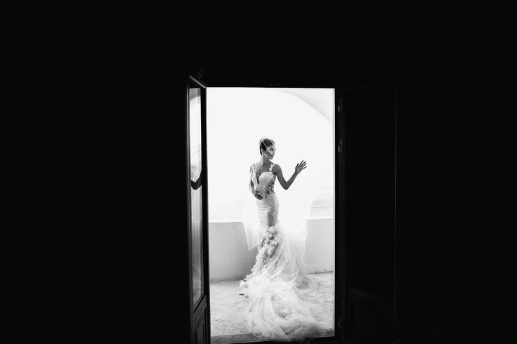 невеста в платье в полный рост