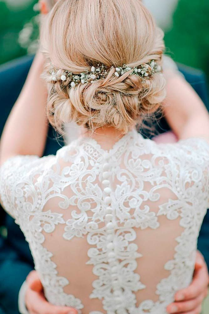 18 Lovely Wedding Hairstyles For Short Hair Our gallery of wedding hairstyles for short hair will help you pick a perfect style for your Big Day. Find out useful tips and trends in the wedding world. http://glaminati.com/wedding-hairstyles-for-short-hair/