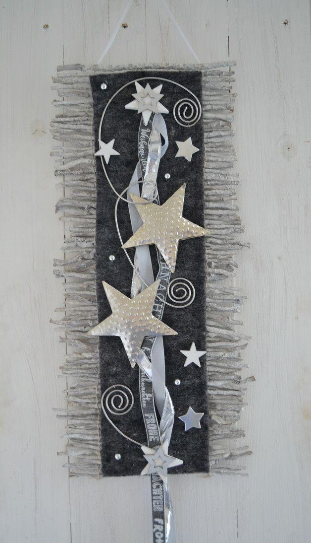Hallo zusammen! Biete Euch hier einen schöne Wand oder Türdeko an. Wurde in liebevoller Handarbeit von mir gefertigt. Diese weihnachtliche Rebenmatte kann sowohl als Wand- oder Türbehang...