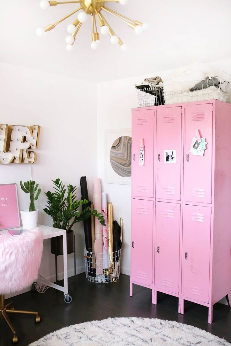 Go all out for the wild pink vibes with a furry desk chair + a striking pink locker.