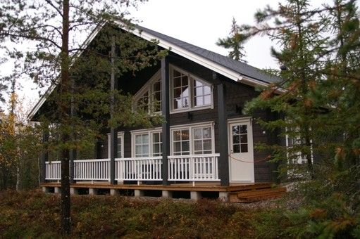 Rykimä & Suosto Two new high-class log cottages with all amenities close to the Salla fell.