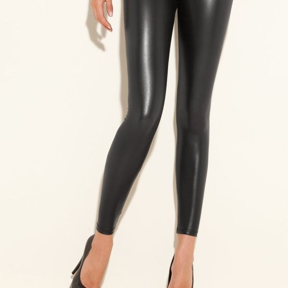 GUESS Los Angeles Matte Wet Legging NWT Medium Jet Black #Guess #leggings