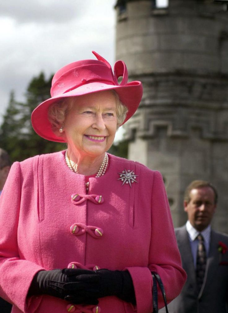 Queen Elizabeth II at Balmoral castle on 8 Aug 2002, the end of the golden jubilee event.