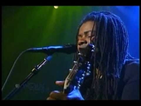 TRACY CHAPMAN ~ Sorry (Baby Can I Hold You Tonight) ..... one day I will sing this on stage, even if it's only for my husband! some day!