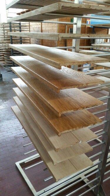 Gradini in legno di rovere massello su misura per posa incollata realizzati da parquet sartoriale