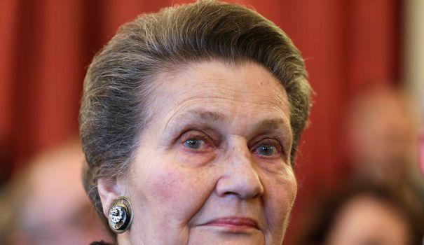 Féministe, rescapée des camps de la mort et parmi les femmes préférées des Français, l'ancienne ministre de la Santé de Valéry Giscard d'Estaing s'est éteinte à l'âge de 89 ans. Elle avait dépénalisé l'avortement.