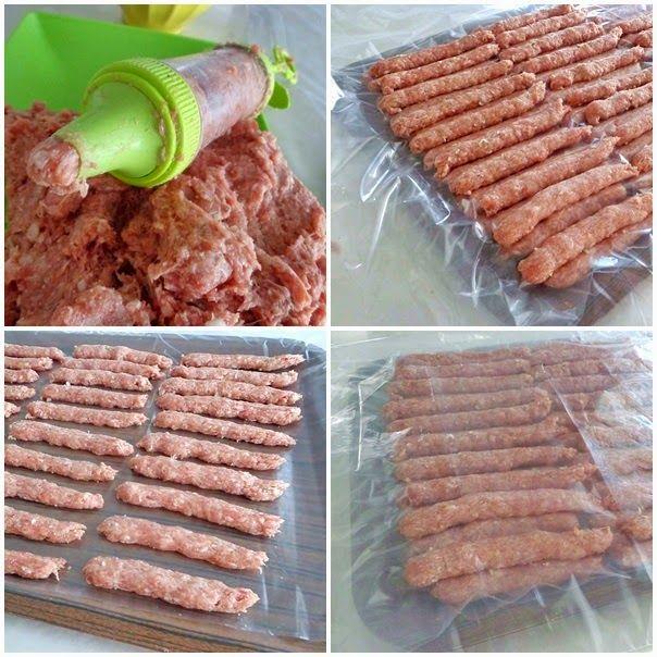 ev yapımı et döner   malzemeler:  1kğ kuzu külbastılık et (buttan )--(dileyen dana antrikot ilede hazırlayabilir veya dana biftek ile) ...