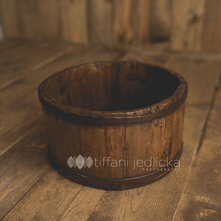 dark wooden bucket www.tiffanijedlickaphotography.com