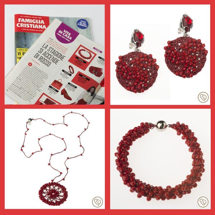 ROSSO???? E' DI MODA   Ecco i nostri bijoux proposti dalla rivista Famiglia Cristiana   Tante perline che sembrano bacche...  Disponibili sul nostro shop on line www.barbiericreazioni.it
