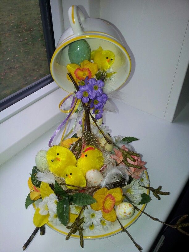 Svævende påske kop