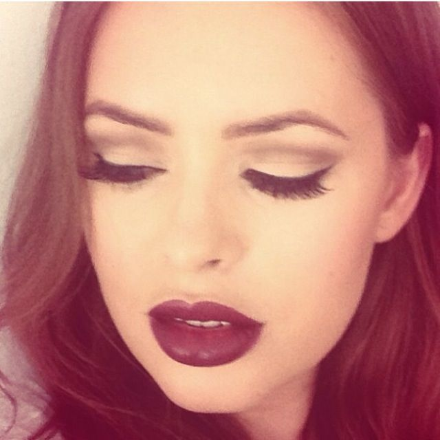 Tanya Burr makeup