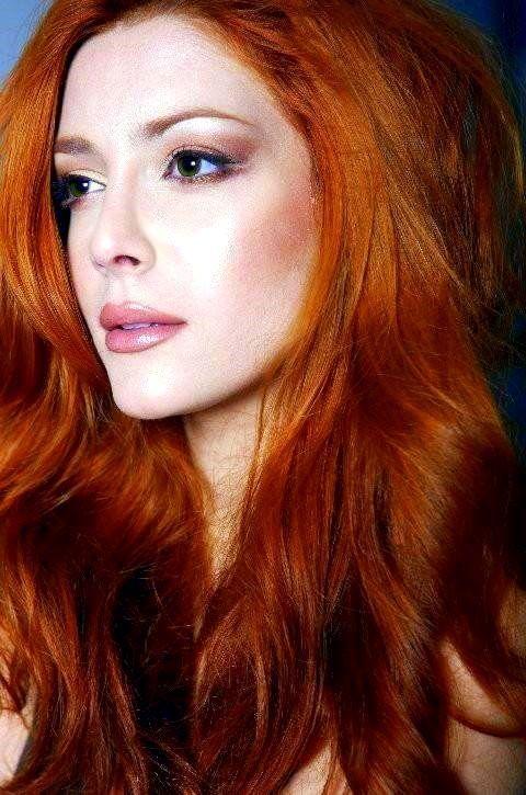 redhead - Elena Santine