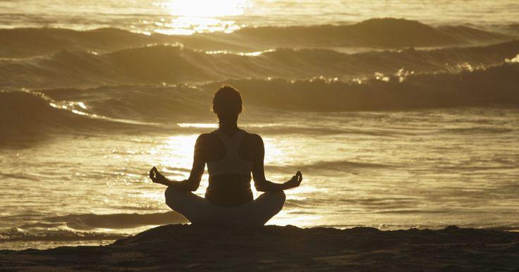 O ioga e a diminuição do estresse. O ioga é uma técnica surgida há cerca de dois mil anos na Índia, voltada para treinar de forma simultânea a resistência do corpo, a força dos músculos e o fluxo de respiração. Isso acontece por conta da conjugação do alongamento com técnicas de respiração (chamadas de pranayama), que podem ser aliadas importantíssimas na busca por uma vida mais ...
