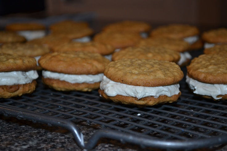 ... oatmeal whoopie pies. better than little debbies oatmeal creme pies