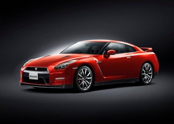 2015 Nissan GT R 600x429 2015 Nissan GT R Review Details