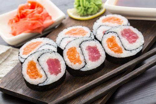 types of sushi: futomaki yin yang roll