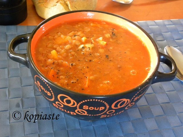 Fakes (pronounced fakhés) is a Greek vegan lentil soup with vegetables. It is of high nutritional value which makes it perfect for the cold days! http://kopiaste.org/2009/01/fakes-soupa-greek-lentil-soup/ #Fakes #Lentils #soup  Οι φακές είναι όσπριο με μεγάλη θρεπτική αξία γιαυτό τις κρύες ημέρες του χειμώνα μην παραλείπετε να τις φτιάχνετε όποτε μπορείτε. http://www.kopiaste.info/?p=734 #Φακές #σούπα