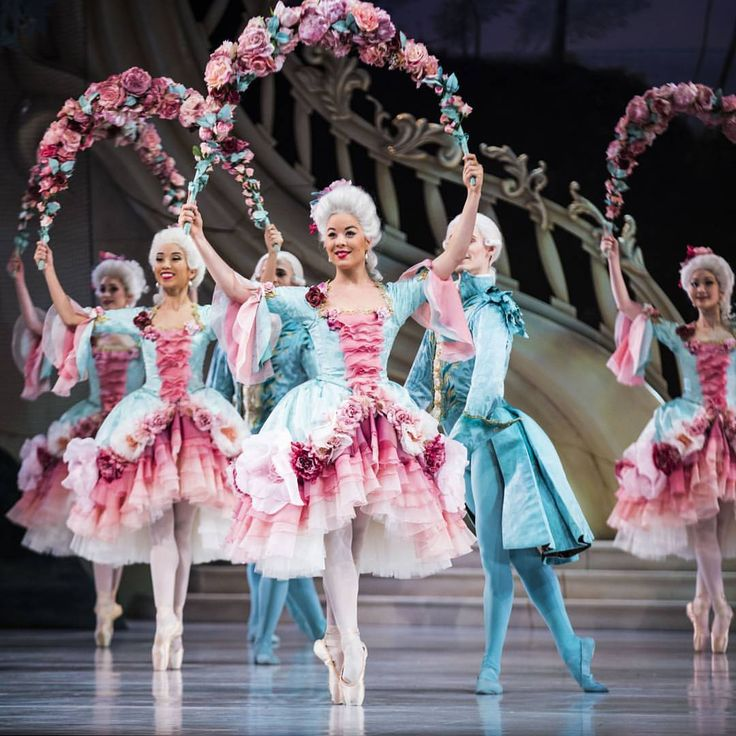 Another stunning Beauty moment from last night's world premiere ... The Garland Dance in Act 1 of David McAllister's The Sleeping Beauty with Jill Ogai and Artists of The Australian Ballet  @klongersklongers