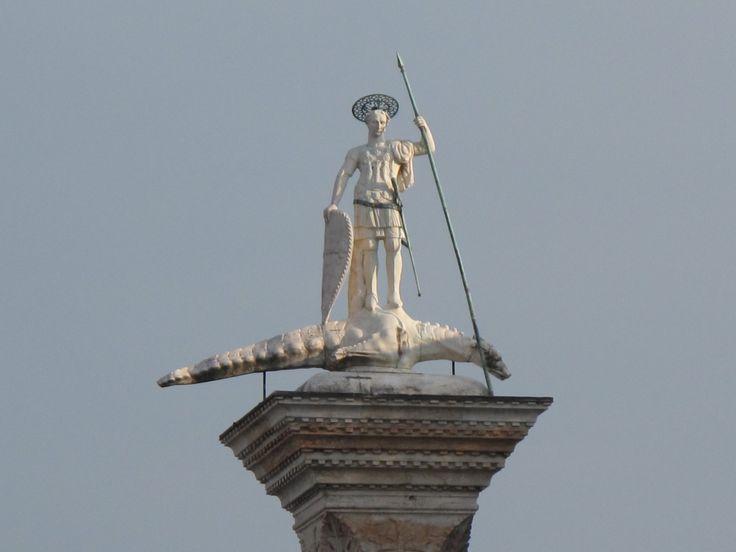 Colonna rosa di S.Teodosio di Amasea dettaglio