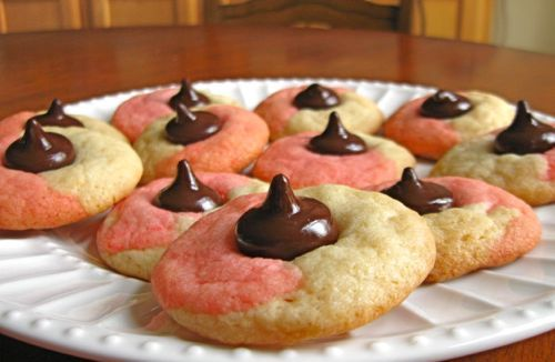 10 Holiday Cookie Recipes Easy Enough to Make with Your Kids: Peppermint Kiss Cookies Recipe