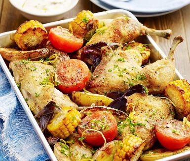 Recept: Kyckling i långpanna med vitlökskräm