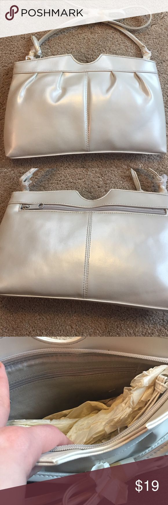 Pearlized Shoulder Bag NWOT Medium size evening bag. Zipper compartment inside and outside. Grey interior. Cabin Creek Bags