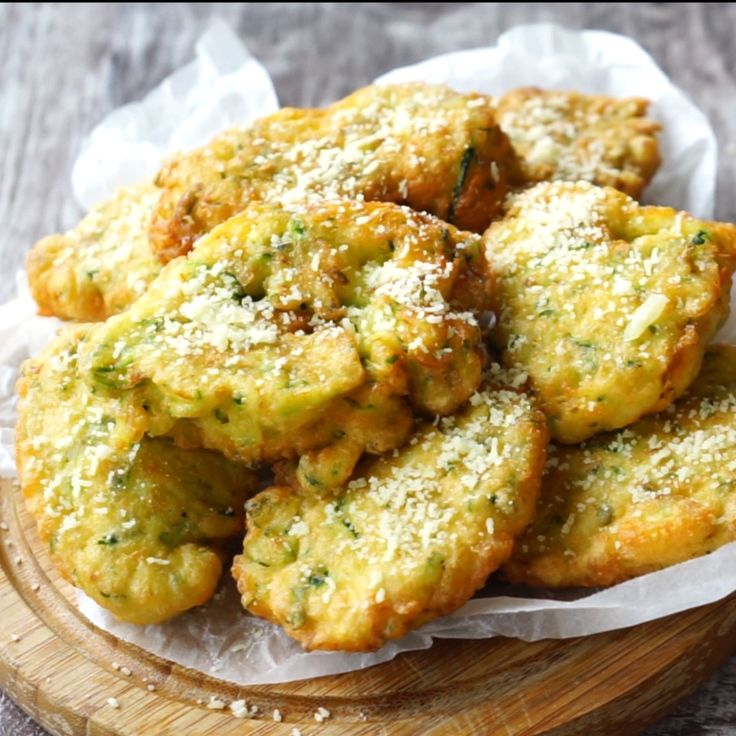 Deliciously crispy, these bite size bundles of zucchini goodness will have tongues wagging! Zucchini fritters are a great antipasto or side dish…just try to stop at one!