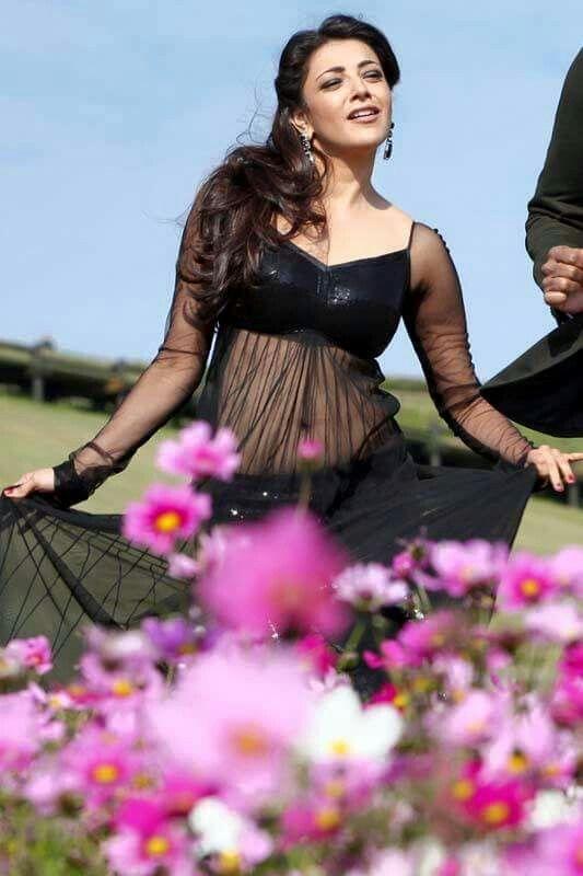 Kajal Agarwal Hot Belly In Hot Black Dress