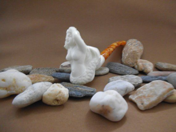 Mermaid  Meerschaum Pipe has been meticulously made by S.Cosgun