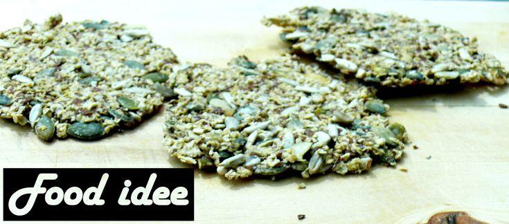 <p>Opzoek naar een gezond alternatief voor brood? Havermout crackers met zonnebloempitten zijn super gezond. Havermout is gezond, waarom? Havermout bevat vitamine B1, Magnesium , Fosfor, Vezels, Vitamine B11, Natrium, Kalium en Zink. Deze havermout crackers met zonnebloempitten zijn geïnspireerd op crackers uit het kookboek de Voedselzandloper, alleen deze cracker zijn met havermout. Ik beleg …</p>