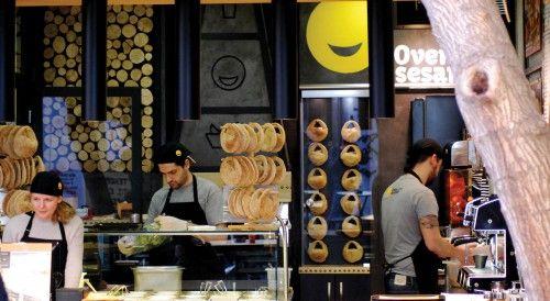 Oven Sesame: όταν το ταπεινό κουλούρι γίνεται καταπληκτικό φαγητό