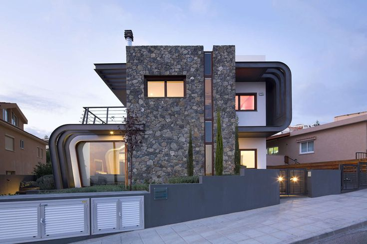 Tsikkinis Architecture Design A House With An Exposed Structure
