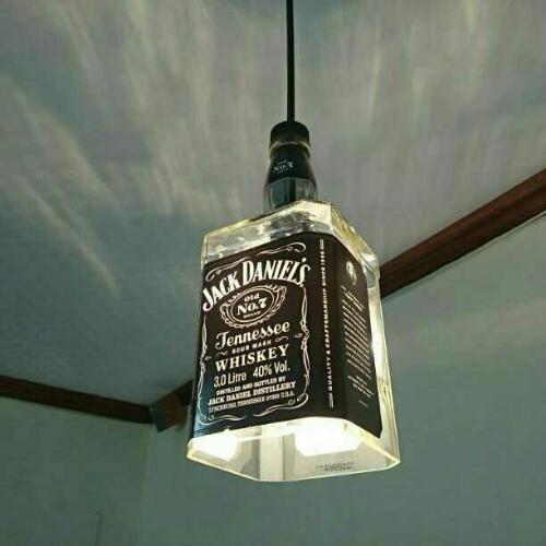 【ジモティー】ジャックダニエル3Lペンダントライトです。ジャックダニエルでは一番大きなサイズの3L瓶を加工しています。60W球を入れてあるので光量もあり、… (とも) 中津川の照明器具の中古あげます・譲ります|ジモティーで不用品の処分