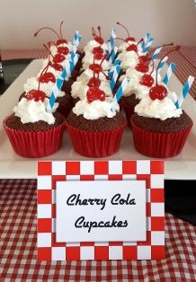 Cherry_Cola_Cupcakes_American_Diner_Party.jpg (218×314)
