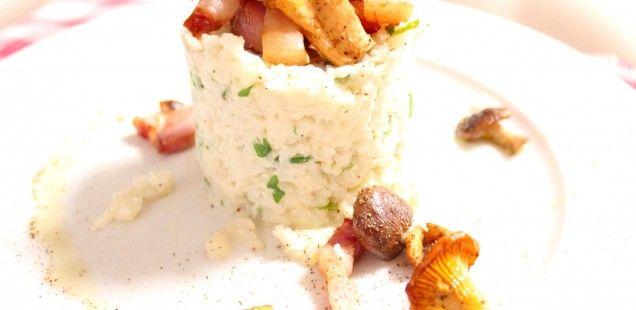 Makkelijke maaltijd: Bloemkoolstoemp met wilde paddestoelen en spekjes
