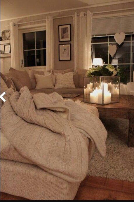 I pinned this already for the living room but I love the candle set up.. make do flameless candles?