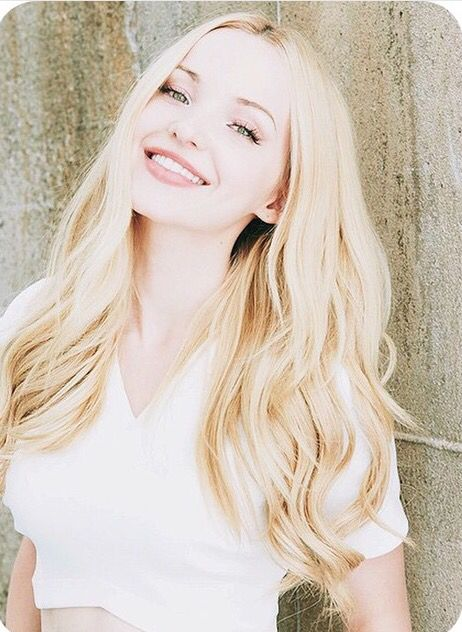 Book 1- Dove Cameron as Lila Howard. She's even got the dimples! www.maxwellfloyd.com