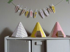 Printable tents. Did these...pretty fun! Helena has little people stuffed in them. The garland is cute too.