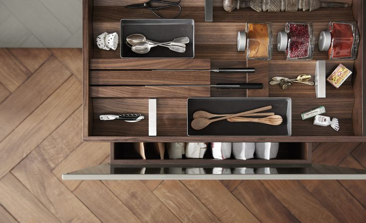 Spice jars, utensil inserts, personal belongings and more – the b3 interior elements give owners the freedom to organize items in line with their unique preferences.