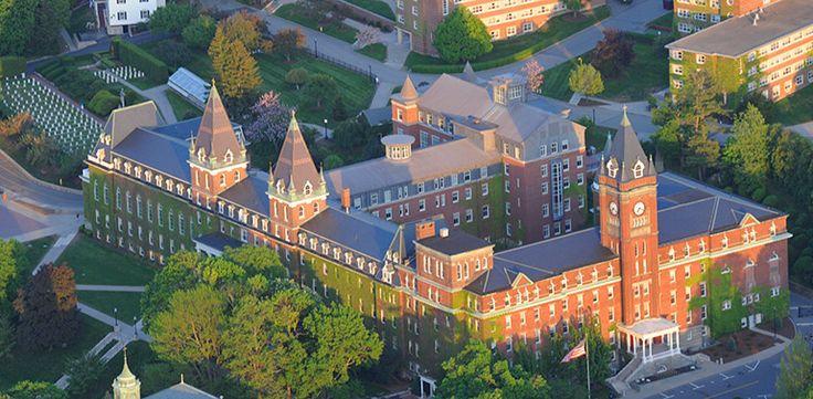 Très beau site sur la foi catholique et les cultures par le Holy Cross College de Worcester aux USA 1ef95d33fb25dbbc56e83717c430aac3--holy-cross-college-brick-images