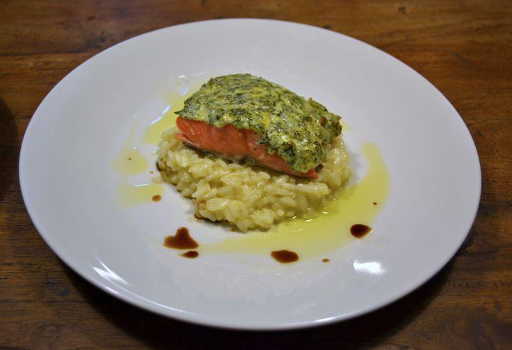 Tässä perjantaille loistava kalaruoka. Tämän kuorrutetun lohireseptin lainasin Marko Koskisen Passione kirjasta, joka voitti julkaisuvuonnaan muistaakseni vuoden ruokakirja tittelin. Olen pi…