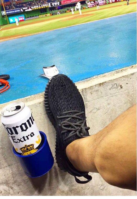 Yeezy 350 Boost Pirate Black on Fleak.. #yeezy #yeezy350 #yeezyboost #Boss #corona #marlinspark #miamimarlins