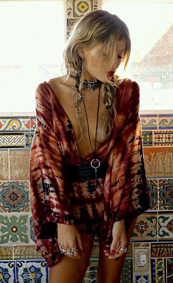 red low-cut dress + belt + accessories