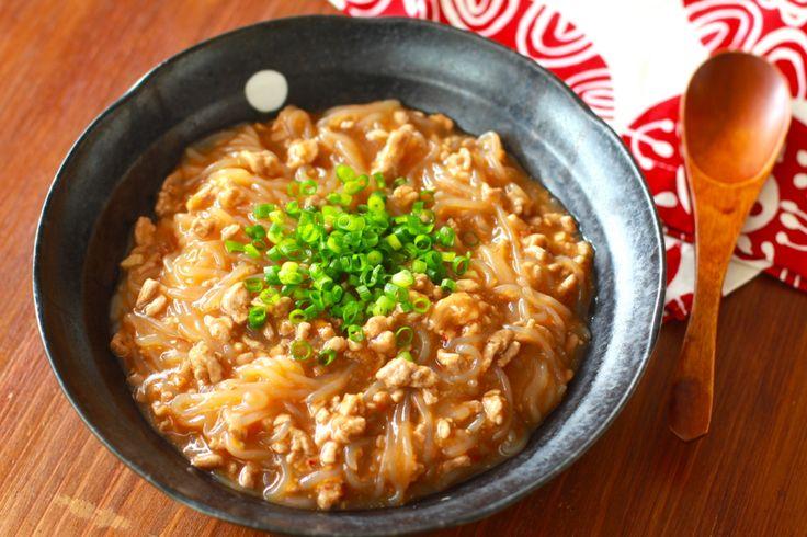 ヘルシーで安価なしらたき。イタリアでは「ゼンパスタ」と呼ばれパスタの代用品として健康志向の高い人々に大人気となっています。麺が大好きだけど夏に向けてダイエットがしたいという方にもぴったりですね。なによりつるつるしこしこした食感が美味しいのでダイエット中でなくてもぜひ食べていただきたいです!(梅田・大阪駅のグルメ・中華)