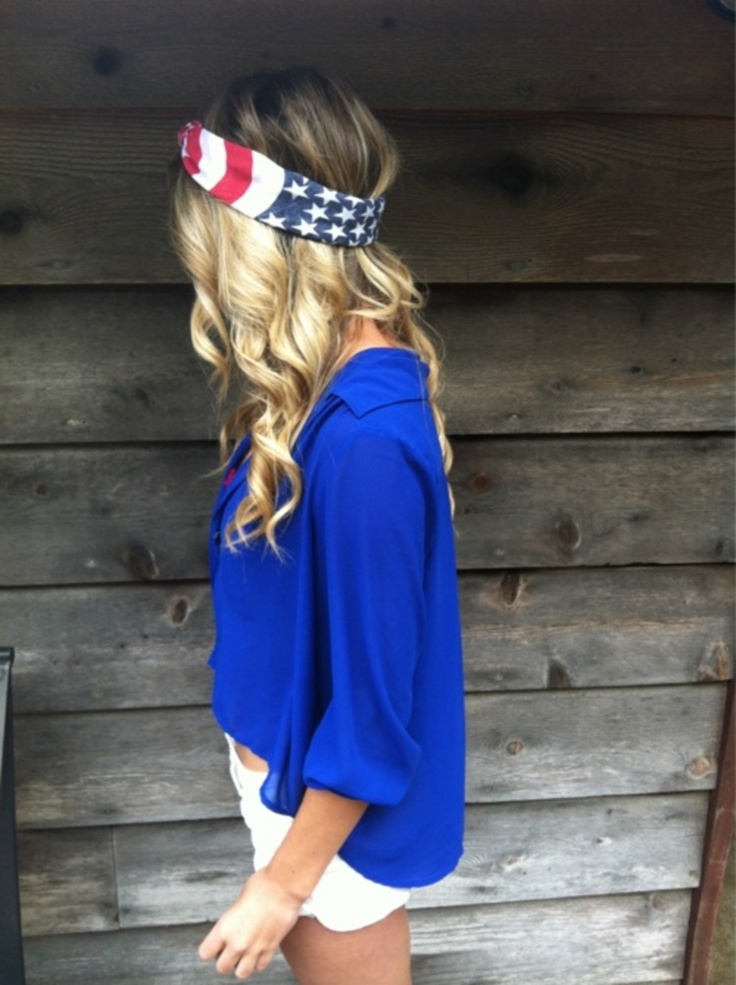 American flag bandanna with a simple blue blouse - 4th of July Food, Drink, Decoration and Outfit Ideas @ www.thriveorsurvive.us